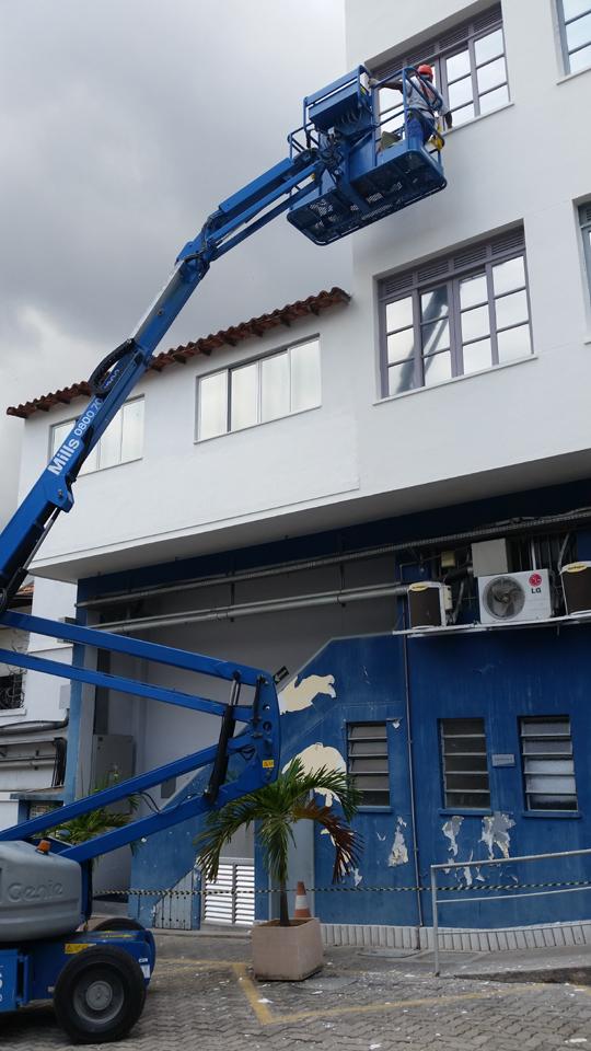 CONCREMAT – Manutenção das fachadas externas, com utilização de plataforma
