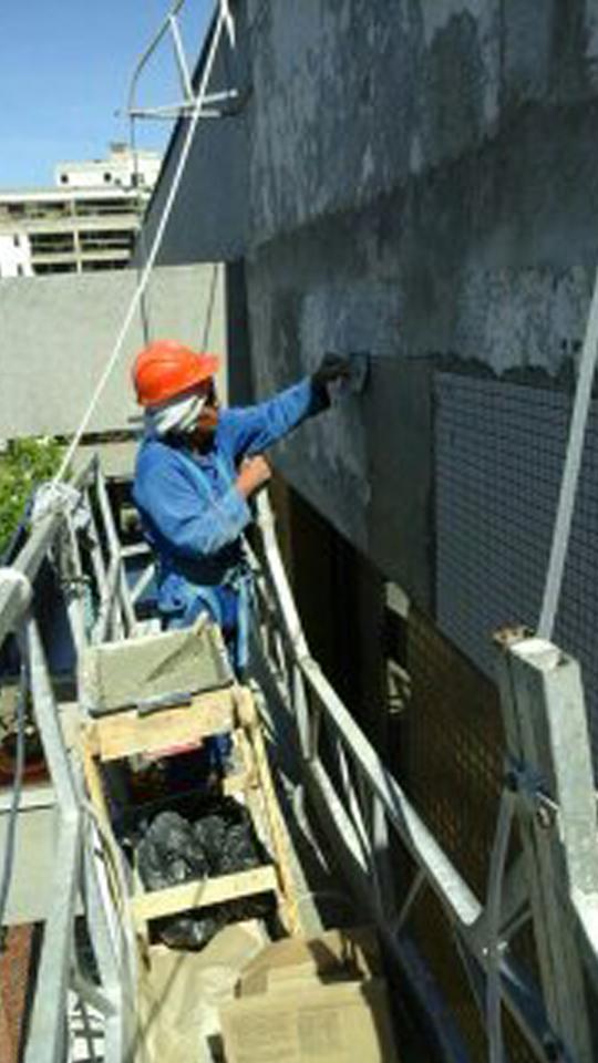 CONDOMÍNO AMARALINA – Substituição dos revestimentos das fachadas externas com uso de andaime suspenso